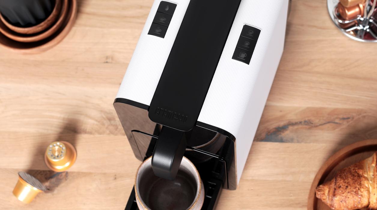 Viva B6 coffee machine in operation